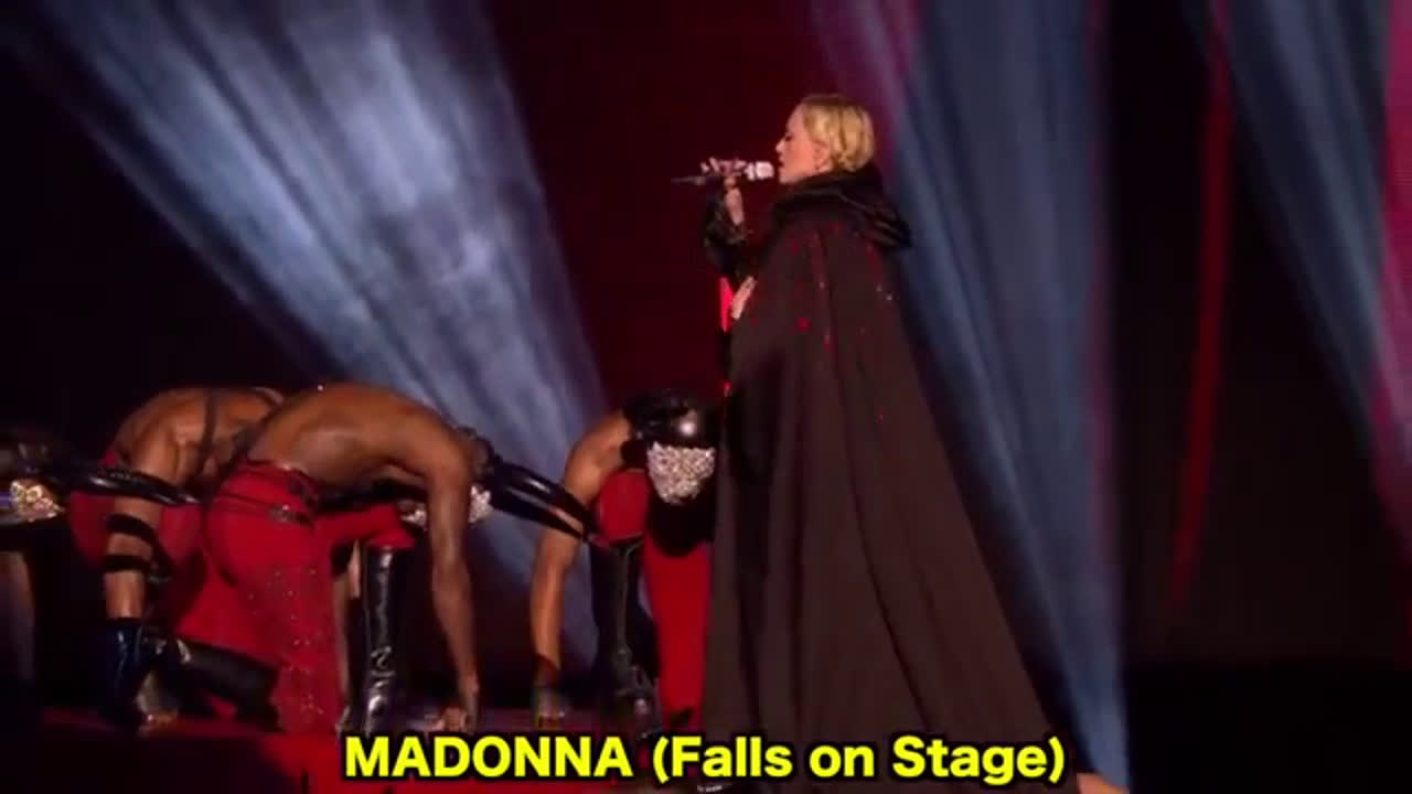 Singers Most Embarrassing Moments On Stage 2018