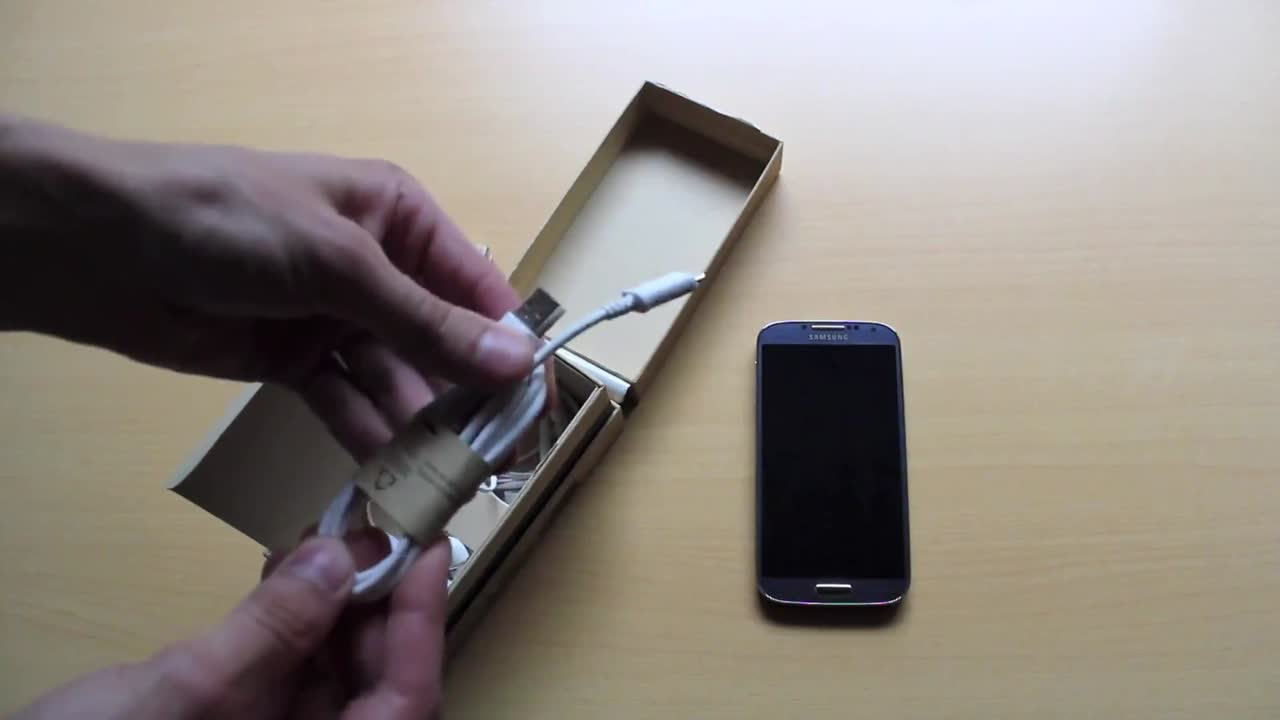 Samsung Galaxy S4: Unboxing
